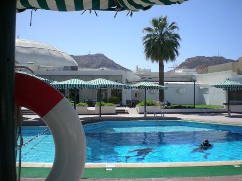 Falaj Hotel pool