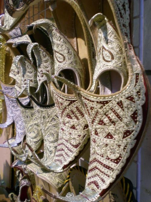 muttrah souq shoes