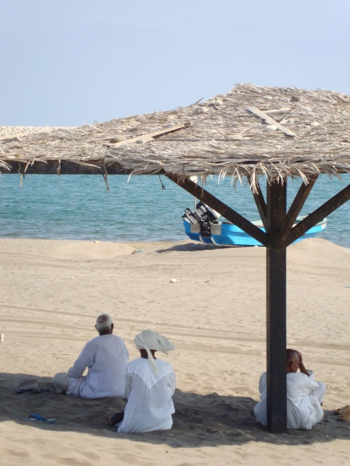 omanis in shade