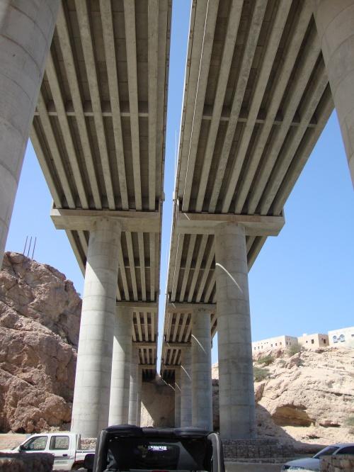 under tiwi bridge