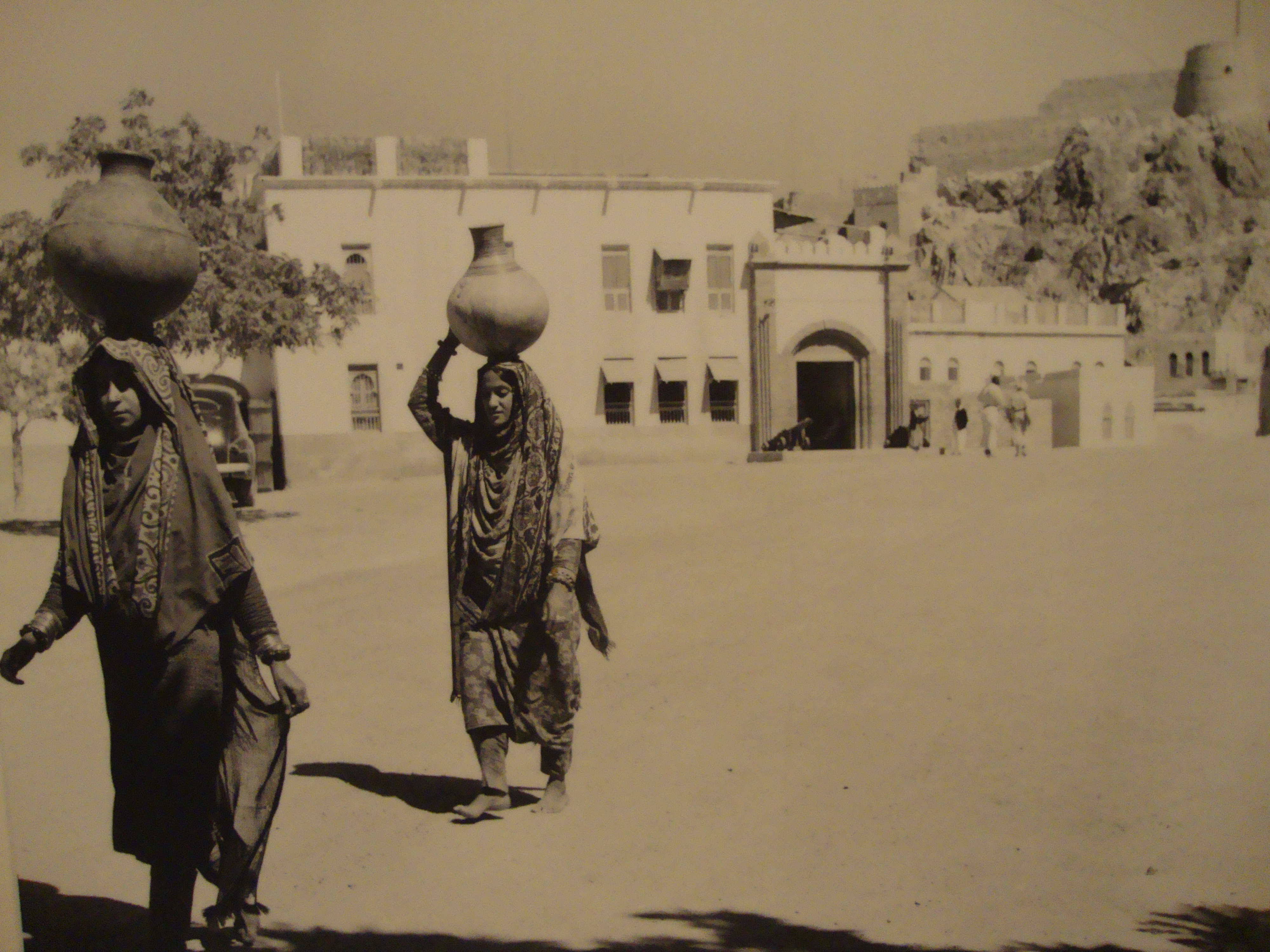 muscat and oman | Suitcase and Umbrella