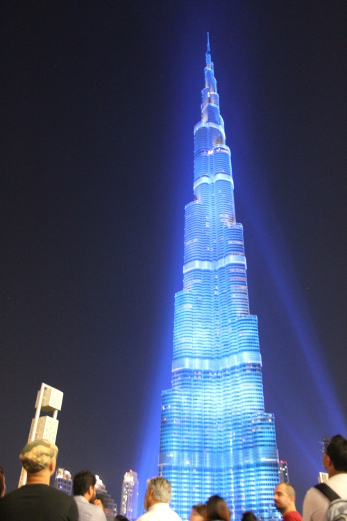 burj khalifa blue light