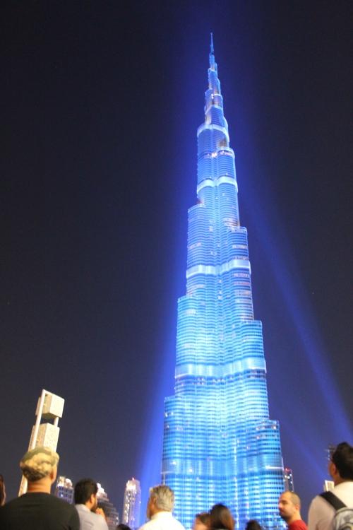 burj khalifa blue light