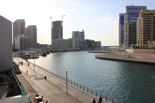 Dubai Marina 22