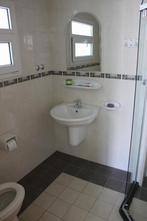 guestroom toilet