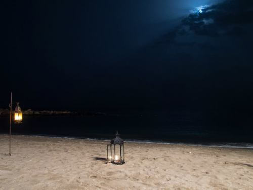bandar beach and moon
