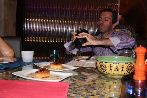 maurizio taking a pic for fatsu